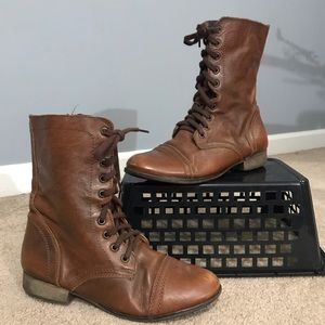 Steve Madden, lace up boots